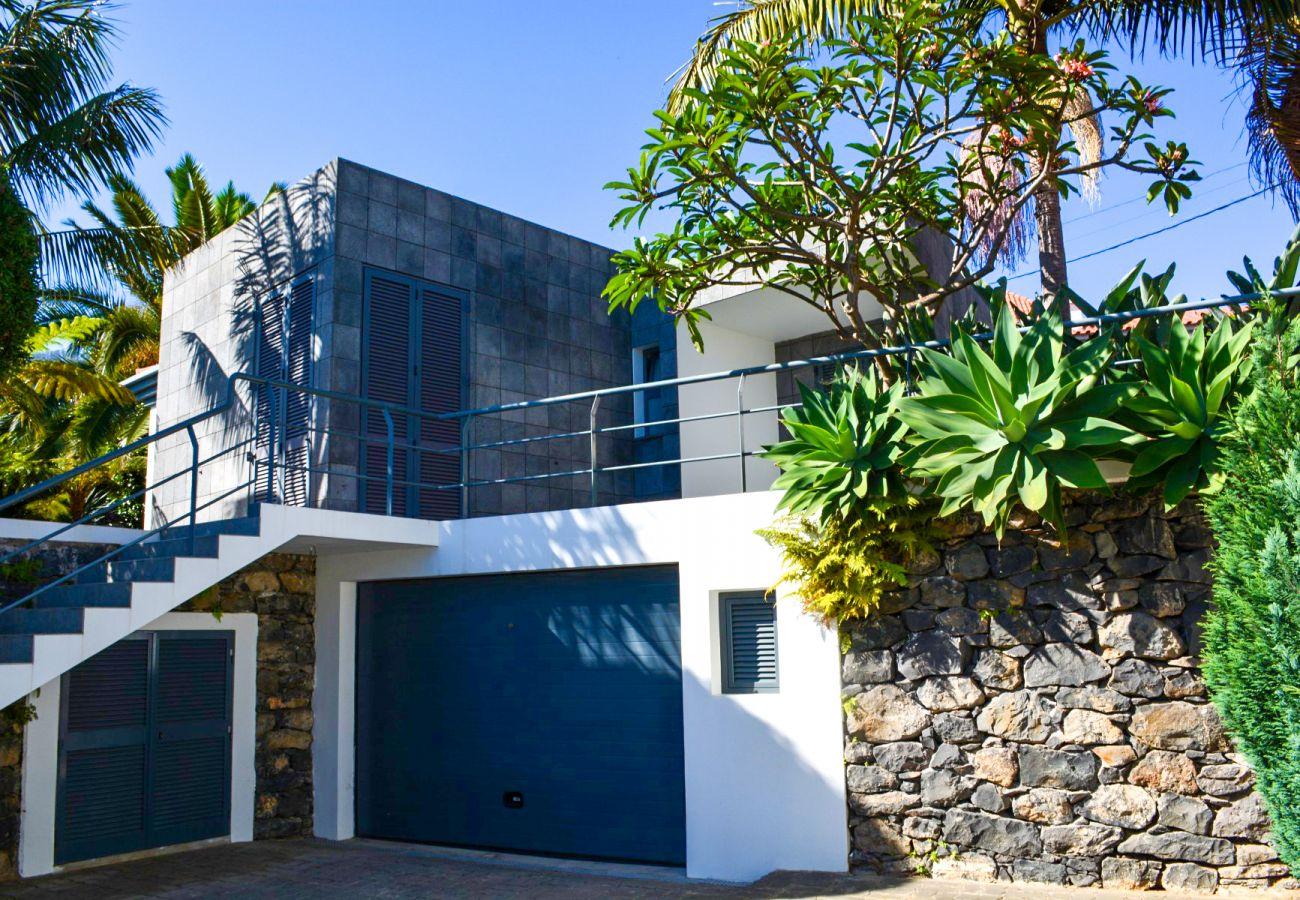 Villa em Funchal - VILLA AGUA DE MEL - by MHM