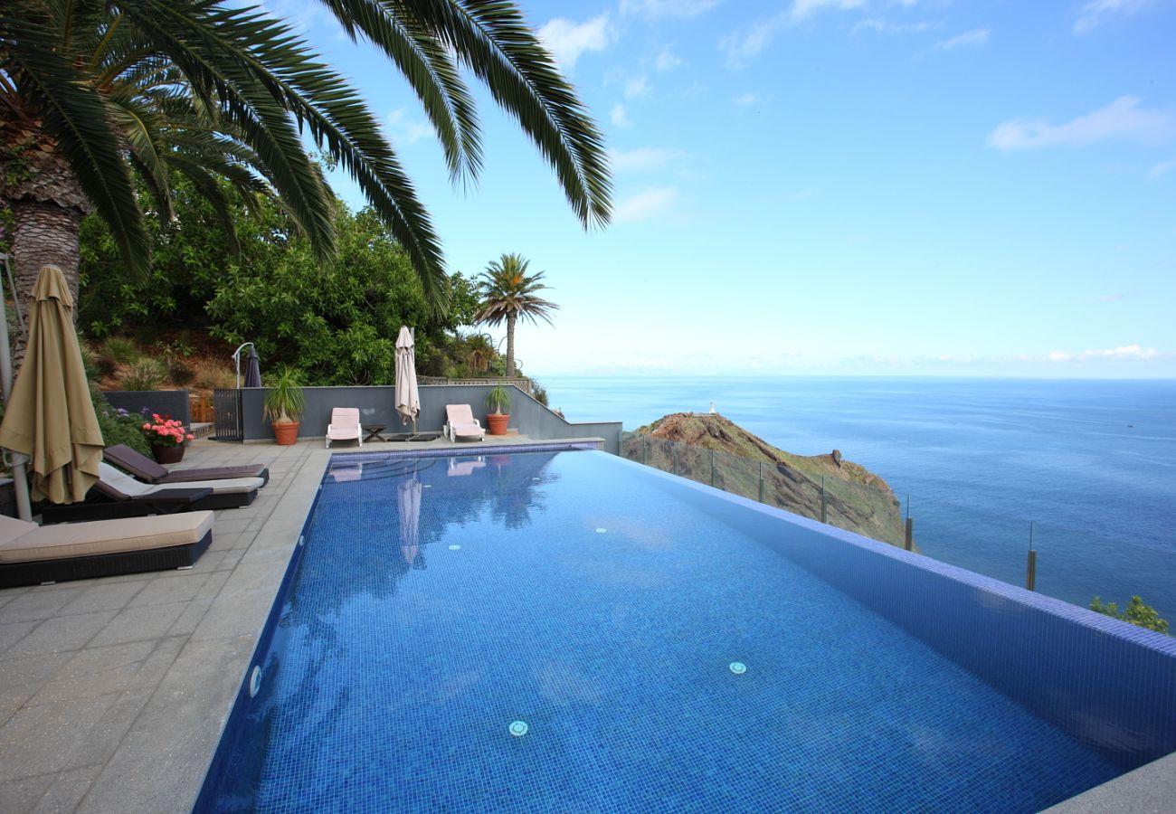 Villa in Caniço - CASA MARTINHOS - Madeira Island