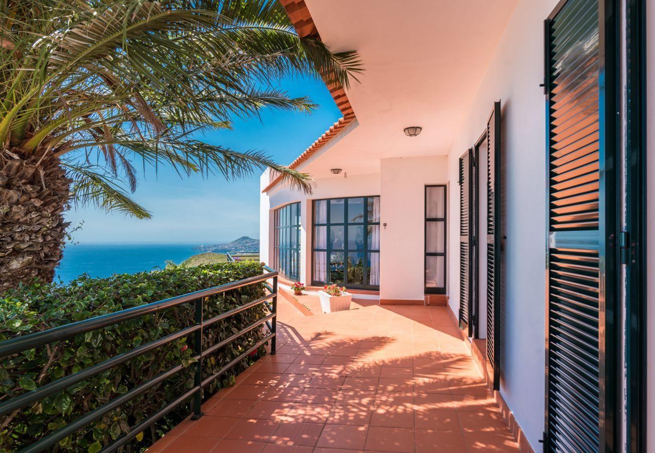 Villa in Caniço - VIVENDA DA ESQUINA - by MHM