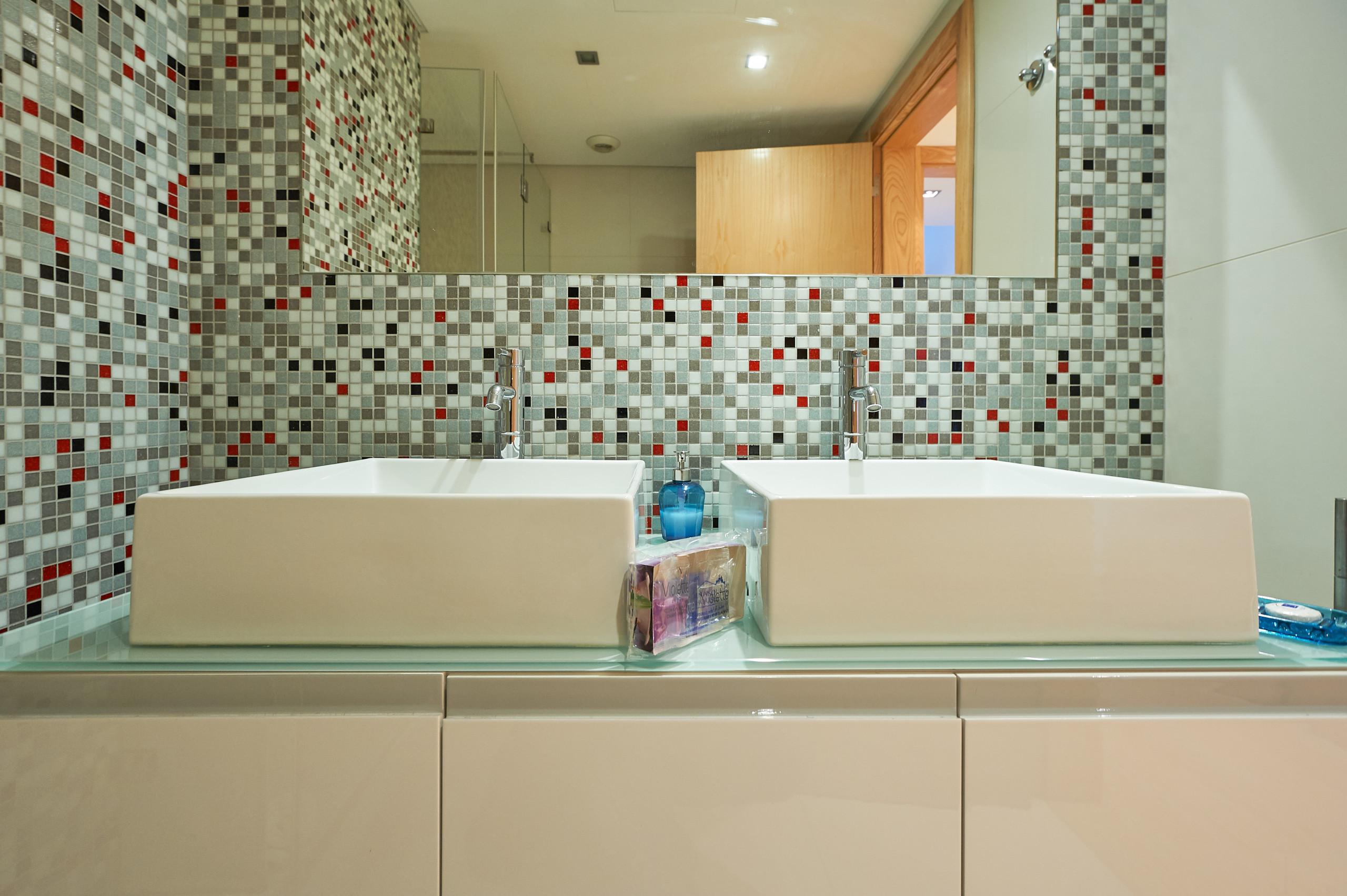Funky Tub Lifter Ensign - Bathtub Design Ideas - valtak.com