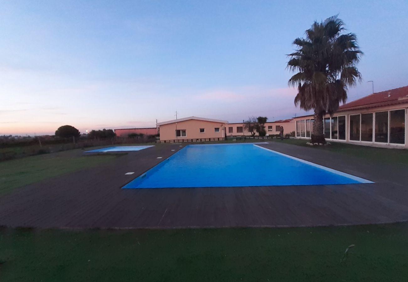 Villa in Palmela - Amazing Huge Villa in Palmela